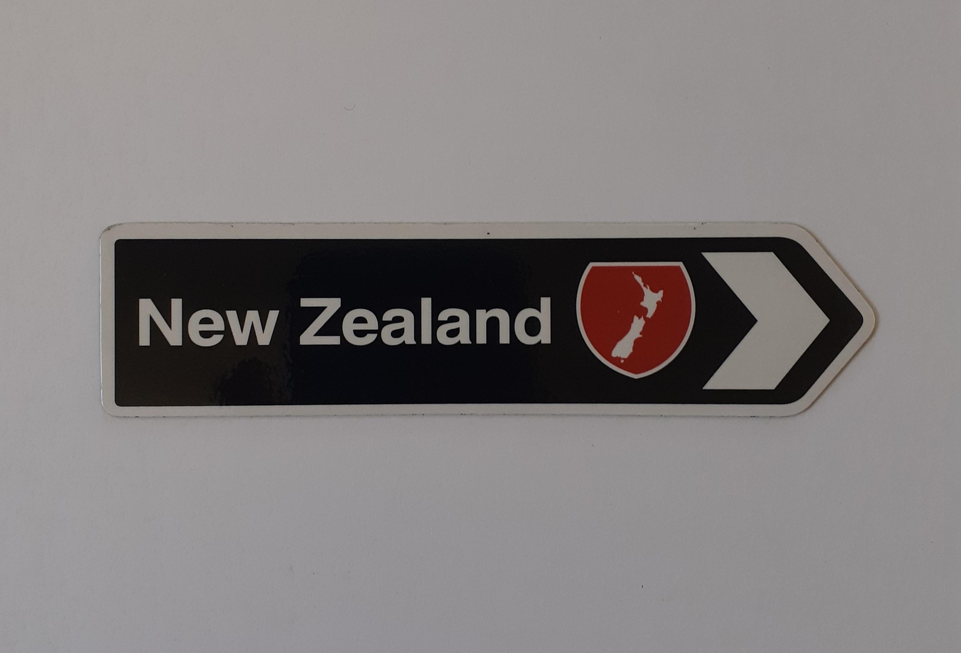Fridge magnet - New Zealand Black